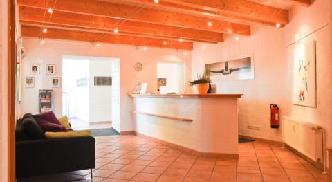 Repräsentative Gewerbefläche - großzügig gestaltet und modern für Büro oder Praxis.